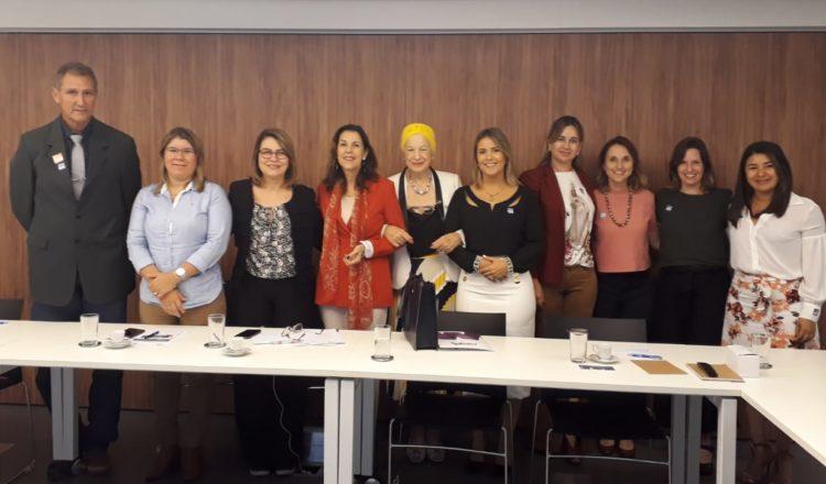 Prefeitas de municípios brasileiros conhecem o Pacto Global